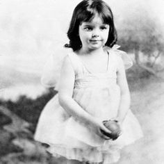 judy garland - 1926 ,4years old