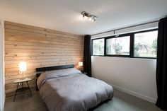 Chambre rez-de-jardin Condos, Home And Family, Bedroom, Furniture, Home Decor, Sound Proofing, Master Bedrooms, Real Estate, Drawing Rooms