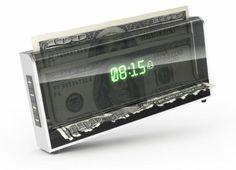 ★♥★ #Money #shredder #alarm - Bizarre way to motivate  If you don't get out of bed, this alarm clock shreds your money  Great gadget. Except, I will pay $$ in the AM to stay in #bed ...  Does it accept coins? Not sure    ★♥★ #Alarme déchiqueteuse d'argent - Façon #bizarre de motiver  Si vous ne sortirez du lit, ce réveil mettra en lambeaux votre #argent  #Gadget idéal. Sauf que, je vais payer $$ en AM pour rester au #lit ...  Accepte-t-il des pièces? Pas sûr