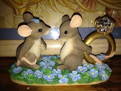 "I HAVE A QUESTION"" CHARMING TAILS ENGAGEMENT MICE"