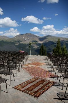 Just a short drive from Denver, we have the perfect venue to make all your wedding day dreams come true! Whether you are looking for a small and intimate venue, a reception space in the middle of a breathtaking mountain valley, or an adventurous wedding in the snowy winter—Winter Park Resort has the venue for you!