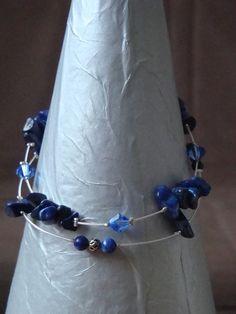 http://galerie.alittlemarket.com/galerie/sell/90568/bracelet-bracelet-en-chips-lapis-lazuli-843458-dsc02957-c93df_big.jpg