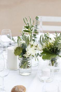 51 Ideas for brunch wedding decorations floral design Wedding Ceremony Flowers, Wedding Flower Arrangements, Floral Wedding, Centerpiece Flowers, Centerpiece Ideas, Wedding Bouquet, Wedding Table Centerpieces, Wedding Decorations, Deco Floral