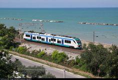 ETR 501 093 FS italiano State Railways ETR em San Benedetto del Tronto, Itália pela Rupprecht v. Gersdorff