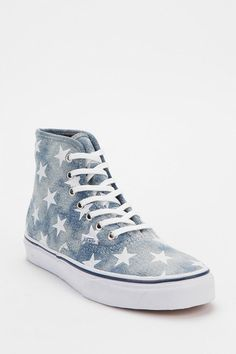 Washed Denim + Stars + Vans = Obsessed. #urbanoutfitters