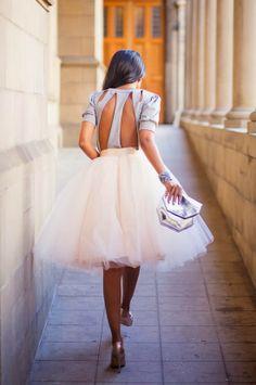 falda de tul y espalda al aire