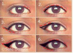 <alt>Cat / winged eyeliner for hooded eyelids or eyes. Only 6 steps!</alt>