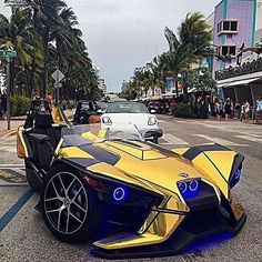 INSANE POLARIS SLINGSHOT!🔥 Would you drive this Beast?  #carszene Check out @worldofbosses