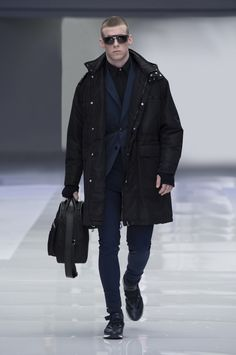 Look 30 - #Versace Men's Fall/Winter 2016 fashion show. #VersaceMenswear