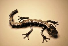Moving Metal Gecko by dremeWORKS on Etsy
