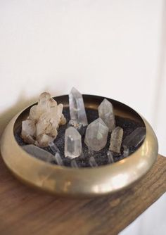 clear quartz crystals are known to purify + cleanse energy - use them in your space to lift low vibes. #simpleshui
