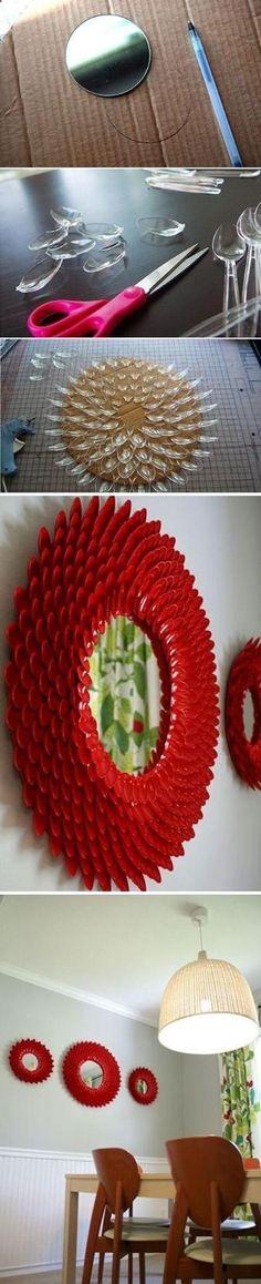 DIY mrco para espejo con cuchara plastica