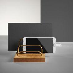 Smart holder til breve, mobilen og andet. Fås også i valnød