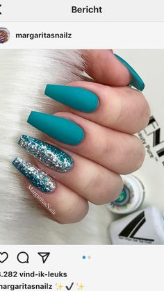 Amazing teal blue coffin nails with glitter! - Amazing teal blue coffin nails with glitter! Blue Coffin Nails, Teal Nails, Solid Color Nails, Nail Colors, Gradient Nails, Nails Turquoise, Blue Nails With Glitter, Turquoise Nail Designs, Metallic Nails