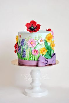 Flower cake - mix of painted and modelled
