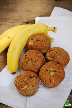 Muffinki bananowe bez cukru Diet Recipes, Cake Recipes, Healthy Recipes, Helathy Food, Easy Eat, Cake Cookies, Good Food, Vegetarian, Sweets