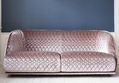 Modern Sofa Design by Patricia Urquiola Luxury Sofa, Luxury Furniture, Furniture Decor, Furniture Design, Table Sofa, Sofa Chair, Patricia Urquiola, Rosa Sofa, Deco Pastel