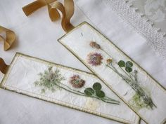 Pressed flower bookmarks tutorial