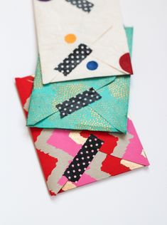 Who needs store bought envelopes when you can make DIY envelopes? Any type of scrapbooking paper will do and you only need fifteen minutes to make a batch of three.