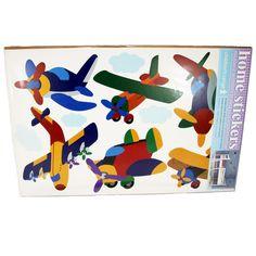 Wandtattoo Flugzeuge; Gesamtmaß Bogen 32 x 48 cm; 6 Flugzeugsticker, 4 Wolkensticker; aus Vinyl; nicht geeignet für Kinder unter 3 Jahren
