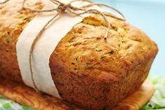 Quick and easy surimi bread with thermomix. Here is a delicious Surimi bread recipe, easy and quick to make thermomix. Bread Maker Recipes, Zucchini Bread Recipes, Lemon Zucchini, Cake Legumes, Beer Bread Mix, Cake Courgette, Low Carb Backen, Herb Bread, Stick Of Butter