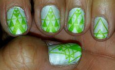 Diseño de uñas con colores pasteles