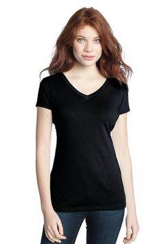 Put yourself into a model looking with a super soft modal tee. District DT282 - Juniors Modal Blend Double V-Neck Tee is made to satisfy you in buring days. It is made of ring spun combed cotton and modal, featuring breathable blend with a silk-like texture, keeping you in wonderful physical condition to enhance your performance in summer. In order to help you deliver a fiminine temparemant to people around, this tee is designed with a V-neck front and back.