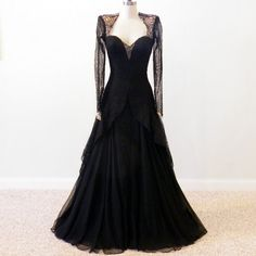 1940s evening gown | 1940s Evening Gown, 40s Black Lace Silk Designer Dress, Sweetheart ...