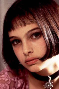 """Natalie Portman got her start in the amazing and violent """"Leon the Professional"""" and has become a beautiful and excellent actress. I loved her as the mentally ill but loving young woman in """"Garden State"""". Natalie Portman Leon, Natalie Portman Mathilda, Nathalie Portman Style, Leon Matilda, Mathilda Lando, Celebrity Bangs, Art Visage, Shave Her Head, Sleek Bob"""