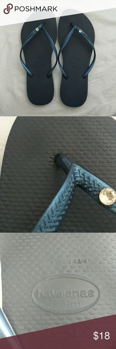 Havaianas slim crystal glamour flip flop sz 10 Here's a pair of sz 10 navy color Havaianas slim flip flop with the crystal in each shoe. Great condition pls see the photo Havaianas Shoes Sandals