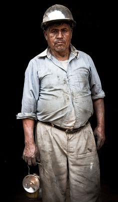 Minero en la Mina de mercurio de Bucareli (Queretaro,MX) by thito FG, via Flickr