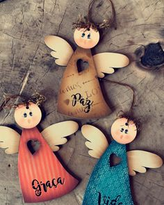 Photo by Marilei Wouters de Oliveira on November Christmas Wood Crafts, Christmas Angels, Christmas Projects, Christmas Crafts, Christmas Decorations, Christmas Ornaments, Xmas, Woodworking Ideas For Girlfriend, Awesome Woodworking Ideas