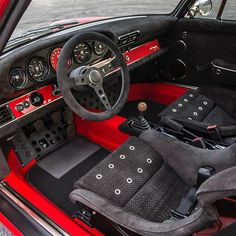 Inside the Le Mans commission #singervehicledesign #porsche #porsche911 #thelemanscommission #handcrafted #everythingisimportant