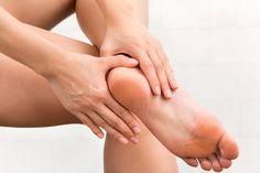 Pękające pięty – 3 sposoby na gładkie stopy