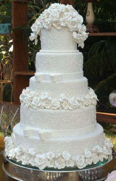 Amazing Wedding Cakes, Fall Wedding Cakes, White Wedding Cakes, Elegant Wedding Cakes, Wedding Cake Designs, Rustic Wedding, Wedding Ideas, Elegant Cakes, Purple Wedding