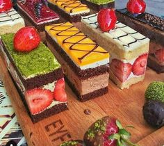 Mini Desserts For Parties Shot Glasses Baking Recipes, Cake Recipes, Dessert Recipes, Cupcakes, Cupcake Cakes, Fruit Cakes, Kolaci I Torte, Fancy Desserts, Beautiful Desserts