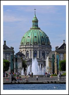Frederik's Church, popularly known as The Marble Church (Danish: Marmorkirken) Copenhagen, Denmark. Places To Travel, Places To See, Kingdom Of Denmark, Cathedral Church, Old Churches, Copenhagen Denmark, Faroe Islands, Place Of Worship, Beautiful Architecture