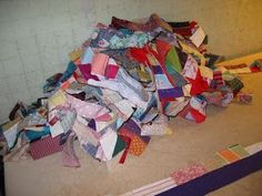 mile a minute quilt tutorial - using odd scraps of fabric to make log cabin style random blocks
