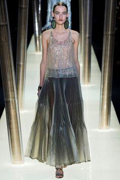 Giorgio Armani Privé - Haute Couture Spring Summer 2015 - Shows - Vogue.it