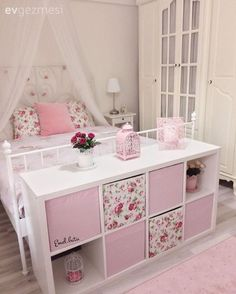 I love this setup. Lilys big girl bed with a cube organizer at the foot of the bed. The post I love this setup. Lilys big girl bed with a cube organizer at the foot of the b appeared first on Kinderzimmer. Big Girl Bedrooms, Little Girl Rooms, 6 Year Old Girl Bedroom, Bedroom Girls, Bedroom Storage, Bedroom Decor, Bedroom Ideas, Bedroom Bed, Modern Bedroom