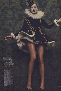 """""""Worth Couture"""" . Giovanni Bedin . { super Halloween costume . black . white . gold } ."""