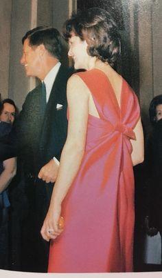 president jfk and 1st lady jackie kennedy