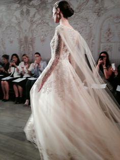 The Frosted Petticoat: Monique Lhuillier: Fall 2015 Bridal Collection Wedding Cape, Bridal Cape, Wedding Attire, Wedding Gowns, Dream Wedding, Bridal Looks, Bridal Style, Monique Lhuillier Bridal, Bridal Collection