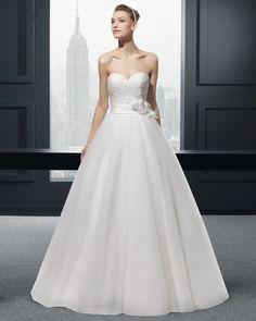 Ball Gown Wedding Dresses :     Picture    Description  Zingaro vestido de novia two Rosa Clara    - #BallGown https://weddinglande.com/dresses/ball-gown/ball-gown-wedding-dresses-zingaro-vestido-de-novia-two-rosa-clara/
