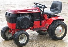 Lawn Tractors, Small Tractors, Wheel Horse Tractor, Hobby Farms, Old Antiques, Snakes, Lawn And Garden, Lawn Mower, Old And New