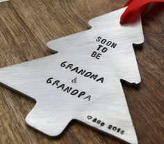 Christmas Pregnancy Announcement Ornament, Holiday Pregnancy Announcement, Grandparent to be Ornament, Pregnancy Announcement Christmas by sierrametaldesign on Etsy Carters Baby, Baby Boys, Pregnancy Announcement To Parents, Christmas Baby Announcement, Baby Announcements, Grandparent Announcement, Pregnancy Photos, Disney Babys, Baby Center