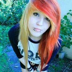 Piercings de labio y pelo multicolor!