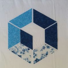 Welcome to Hexagon - Easy Y Seams Table Runner Project Part 2 of 3 By Paco Rich It is important that you read through ever. Strip Quilt Patterns, Machine Quilting Patterns, Hat Patterns To Sew, Quilting Templates, Strip Quilts, Pattern Blocks, Quilting Designs, Hexagon Quilt, Square Quilt
