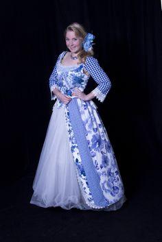 Gouden Eeuw kostuum gemaakt door Marieke van Es voor Barbara van Gelder. U kunt ook een fotoshoot doen in deze jurk!