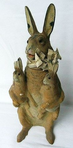 Vintage Paper Mache Rabbit Holding Baby Bunnies Candy Container - this might not be a Christmas candy container, not sure, but I really like it. Easter Candy, Hoppy Easter, Vintage Candy, Vintage Toys, Vintage Crafts, Vintage Easter, Vintage Holiday, Beatrix Potter, Beautiful Rabbit